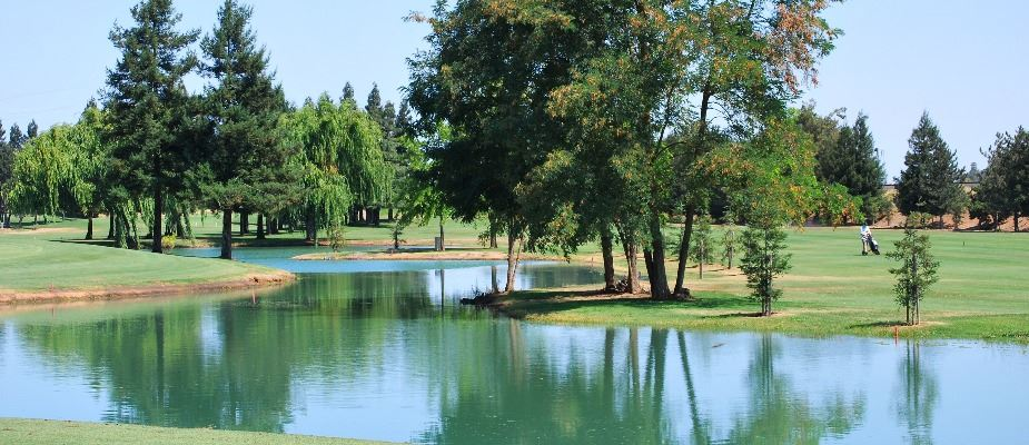 Emerald Lakes Golf Course lake view on a sunny day